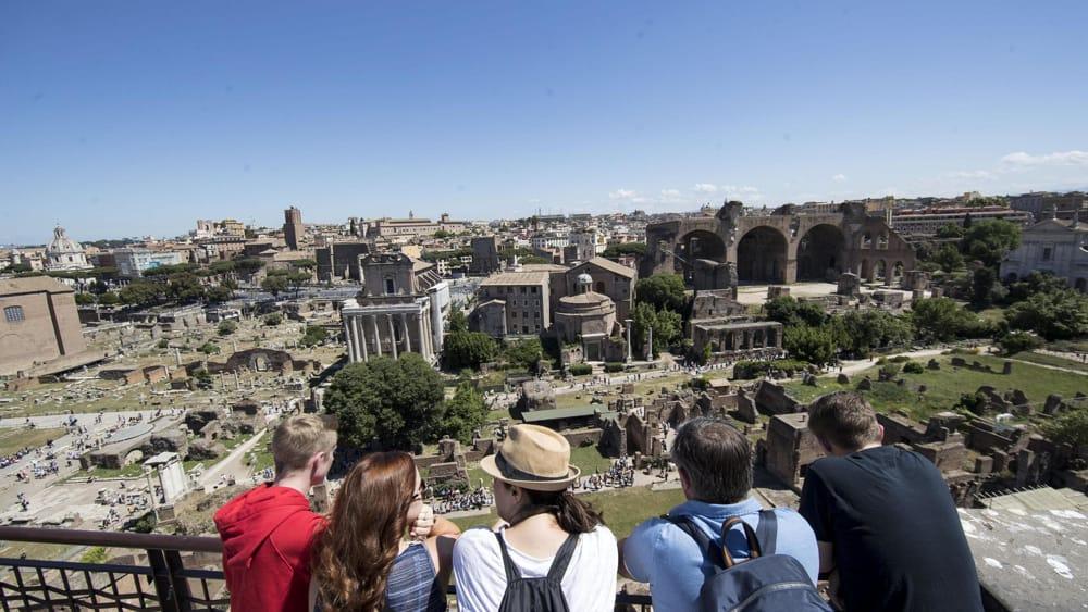 Tassa di soggiorno turistico, cambiano le regole: 3,50 euro ...