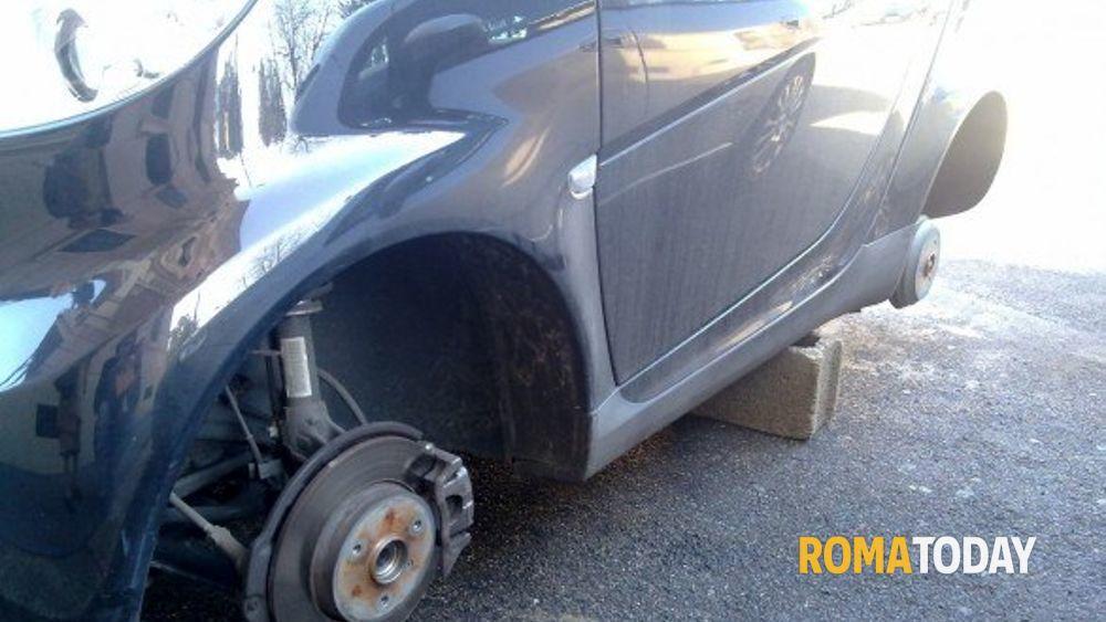 Rubava ruote d 39 auto a porta di roma preso specialista dei - Auto usate porta portese roma ...