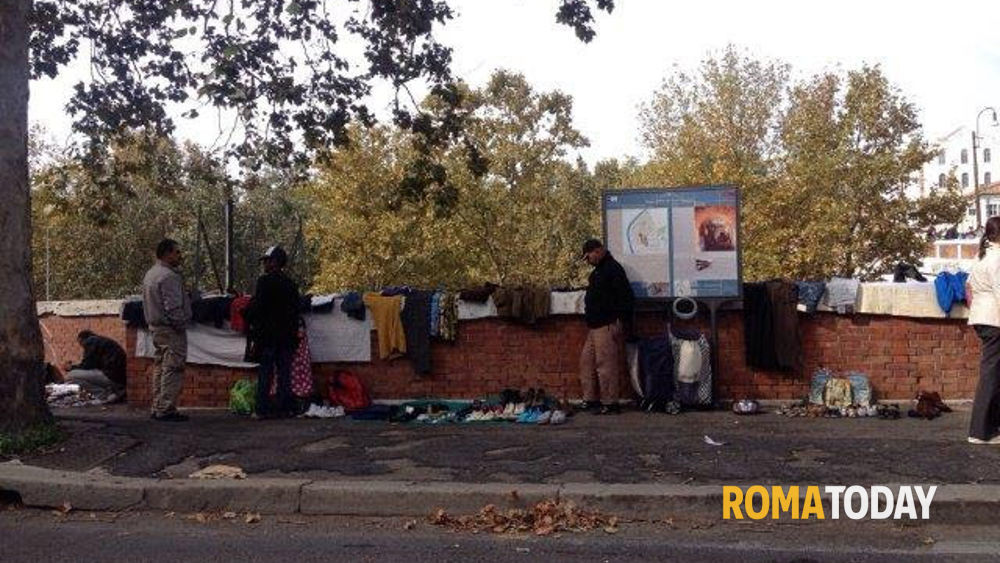 Tra merce rubata e rifiuti in vendita aumentano i - Porta portese offerte lavoro roma ...