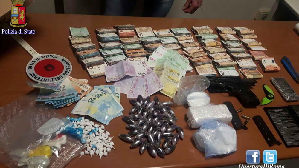 Alessandrino cocaina una pistola e 63mila euro in - Soldi contanti a casa ...
