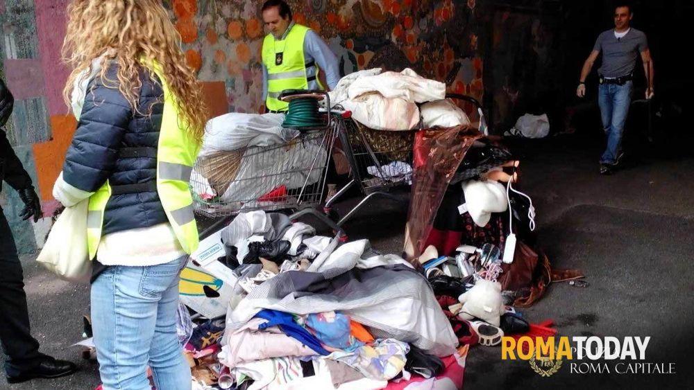 Controlli a porta portese sequestri sotto il ponte di - Porta portese offerte lavoro roma ...