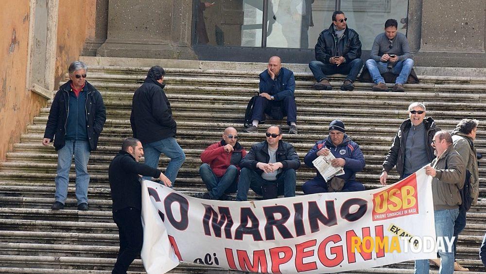 Sala Piccola Protomoteca : Ex vigilantes protestano in campidoglio 3 marzo 2014