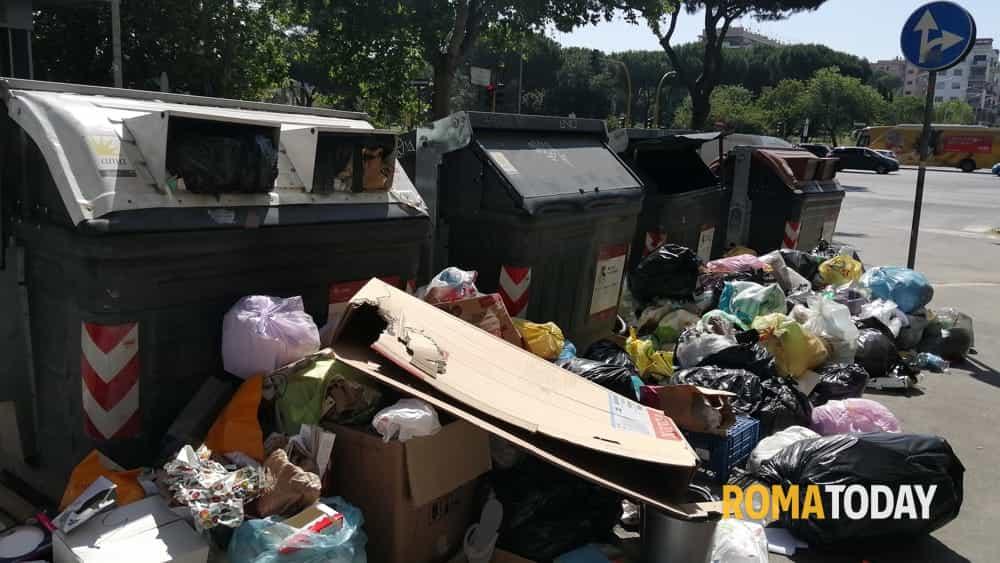 """Roma lercia, il Municipio VIII convoca la Sindaca: """"Venga a spiegare perché siamo di nuovo in emergenza rifiuti"""""""