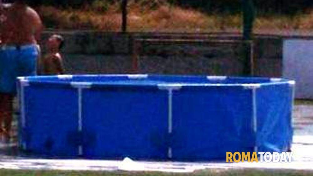 Marino rubata la piscina di plastica al soccer summer camp de le mole calcio - Piscine in plastica ...