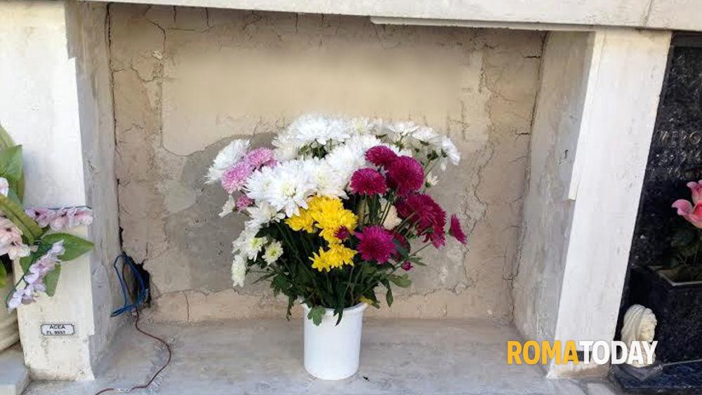 Cimitero flaminio a prima porta ora rubano anche le lapidi - Cimitero flaminio prima porta ...