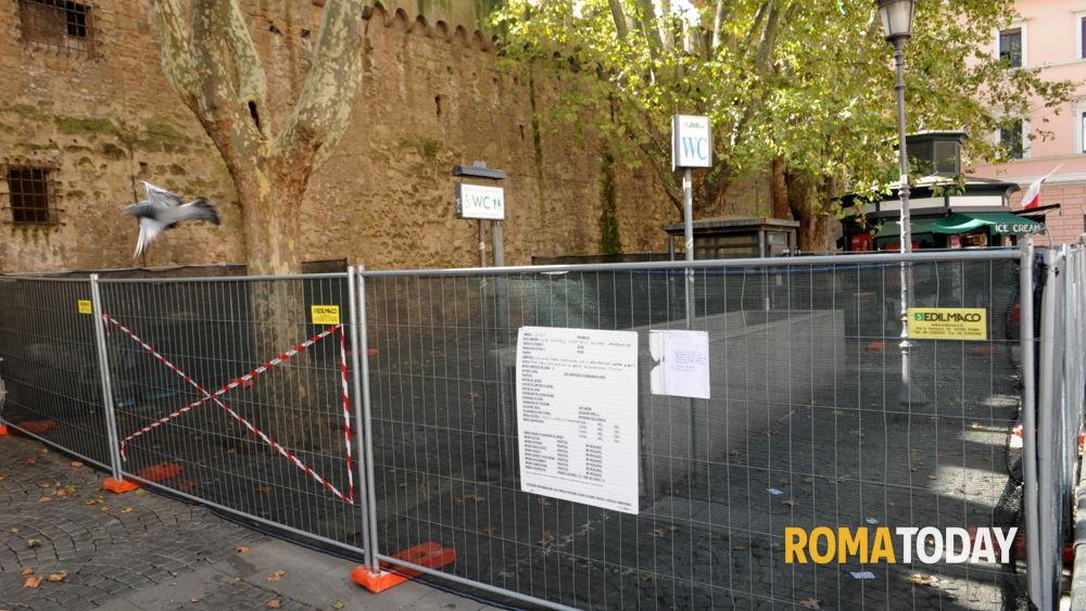 Giubileo da san giovanni a san pietro al via la ristrutturazione di 11 bagni pubblici - Donne al bagno pubblico ...