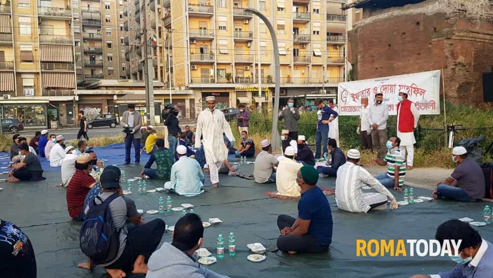 Largo Preneste, prima preghiera pubblica per la comunità musulama ...