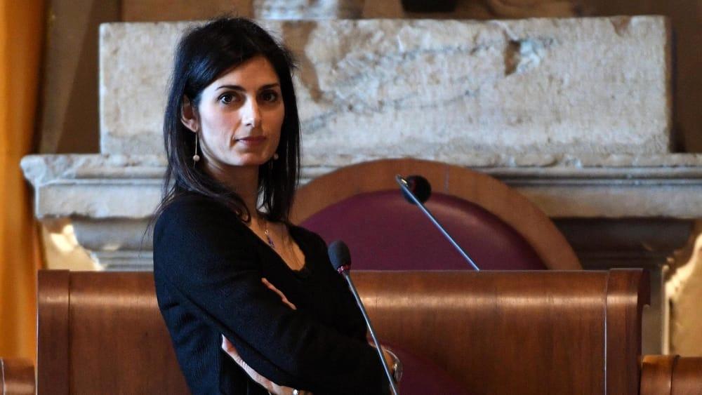 """""""A Roma serve una discarica"""": la sindaca Virginia Raggi boccia l'ipotesi"""
