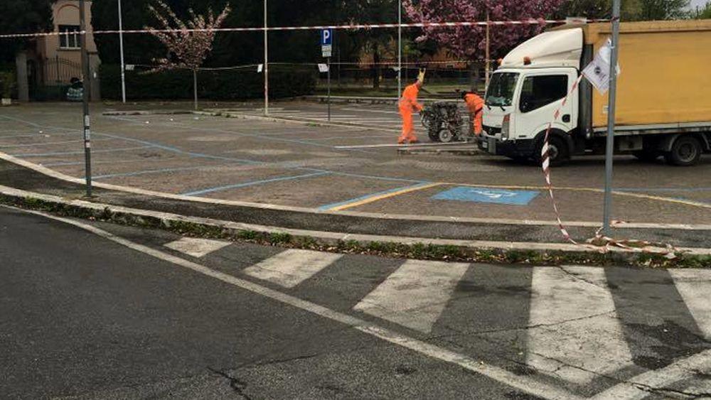 Dipingere Strisce Parcheggio : Grottaferrata nuovo piano parcheggi aumentano le strisce bianche