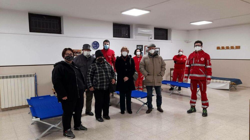 Emergenza clochard: a Vigne Nuove il centro anziani apre ai senzatetto