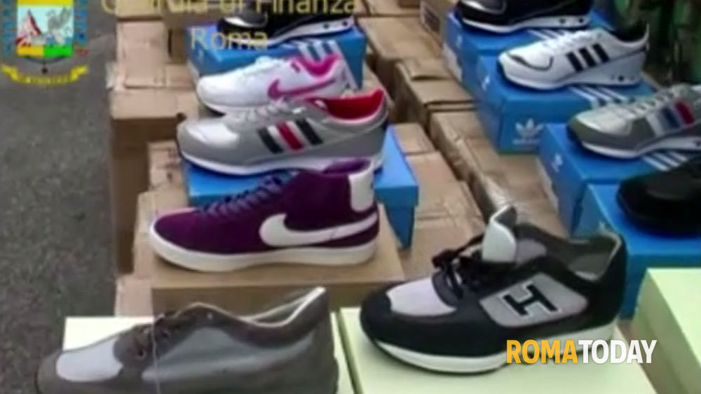 huge discount 45d55 8b1a1 Hogan, Nike e Adidas contraffatte  45.000 scarpe sequestrate dalla finanza
