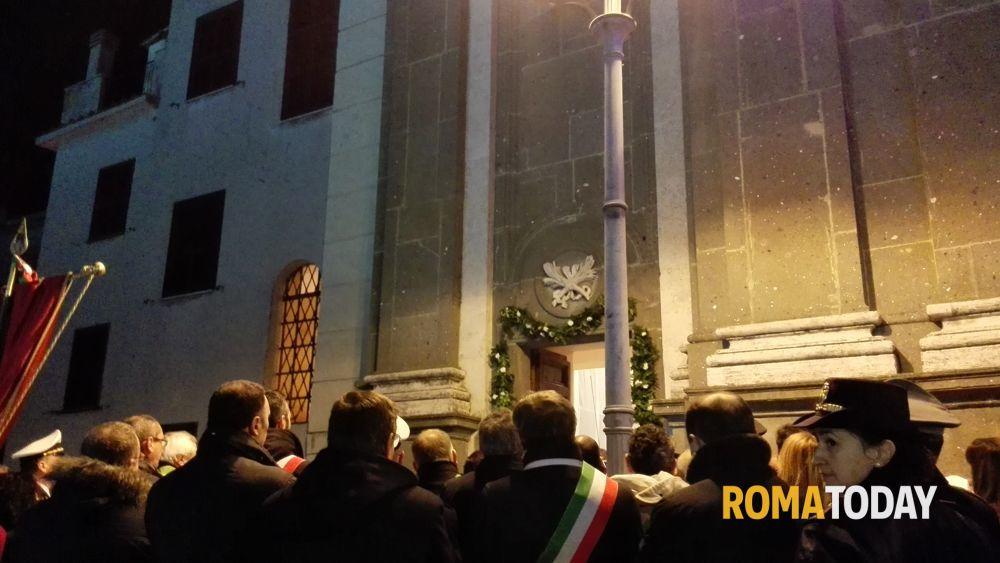 Apertura porta santa diocesi di albano - Apertura porta di roma ...