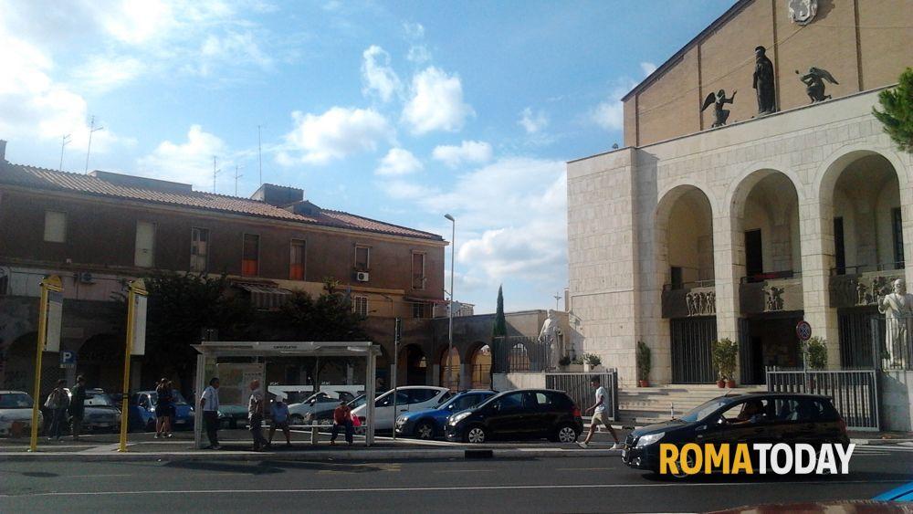 Primavalle piazza capecelatro parcheggi e banchine tutte for Piazza balduina