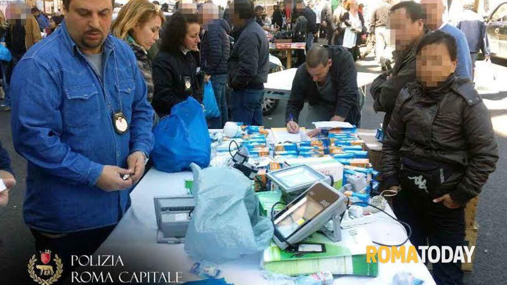 Porta portese blitz dei vigili sequestrati 1400 prodotti - Porta portese offerte lavoro roma ...